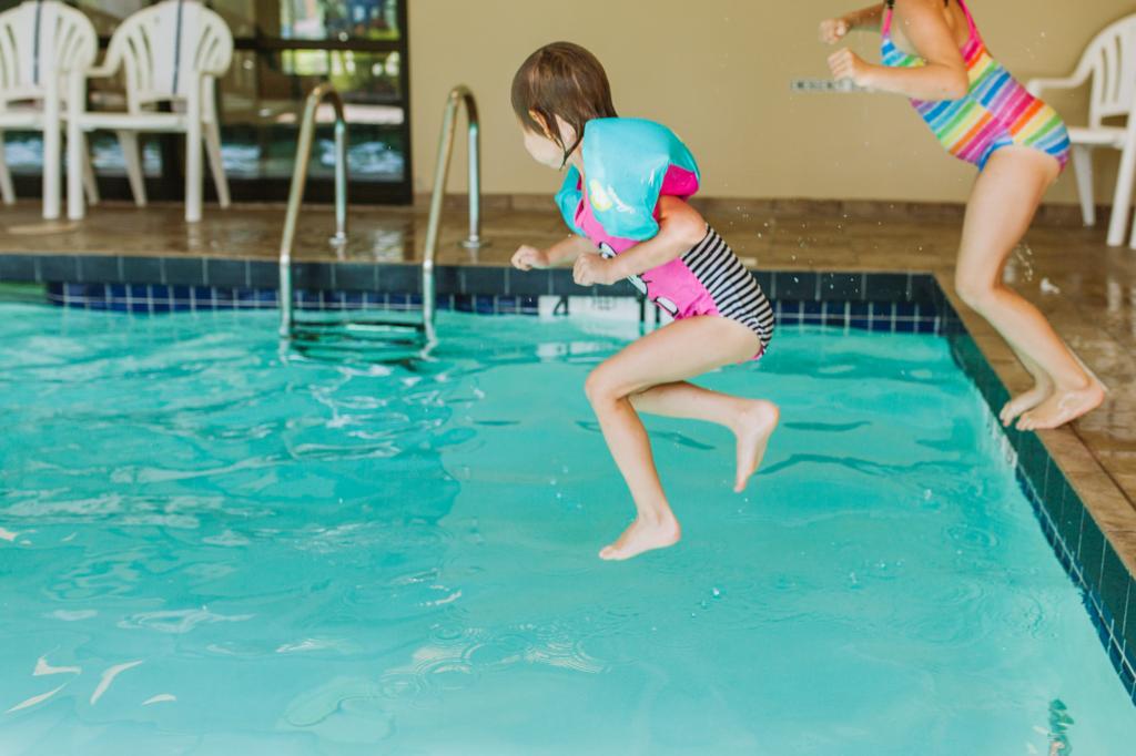 7 pool energy saving tips
