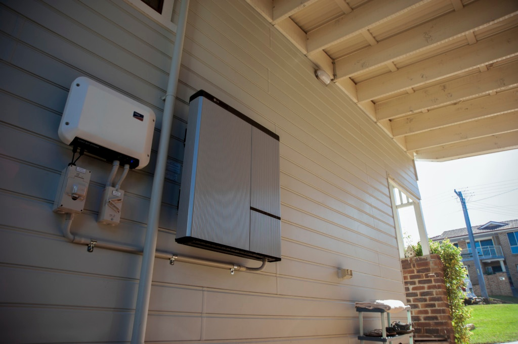Four things to make the perfect solar battery choice